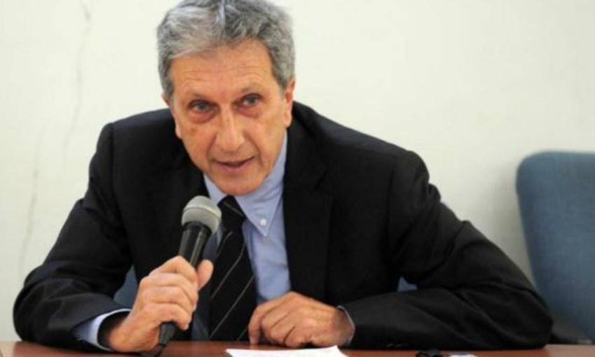 """Da 10 anni Napoli non è amministrata, serve una strategia"""", parla lo storico Paolo Macry"""