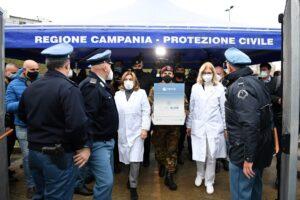 V-Day in Campania, si parte con 720 dosi: chi sono i primi vaccinati