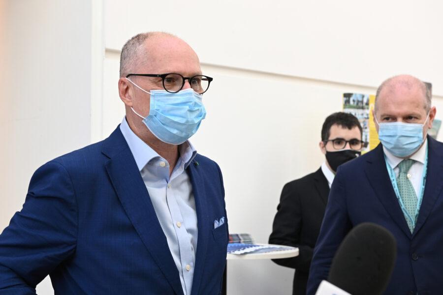 """""""Variante inglese del Covid in Italia da novembre, 40mila morti a febbraio se non limitiamo mobilità"""""""