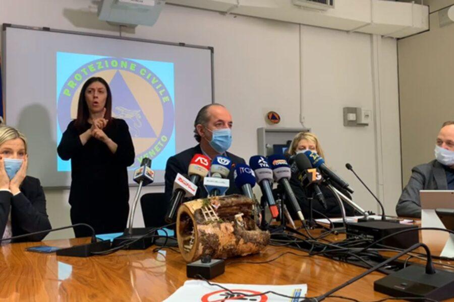 Il Veneto non aspetta Conte e vara la linea dura sugli spostamenti: dal 19 dicembre al 6 gennaio stop dalle 14