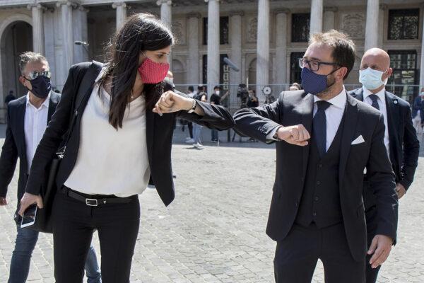 """Chiara Appendino condannata per la tragedia di piazza San Carlo: """"Non potevo prevedere, pago gesto folle ragazzi"""""""