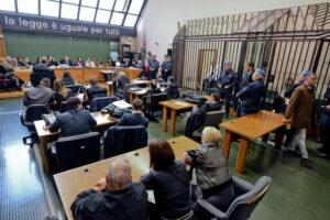 """""""Gli avvocati difendono i diritti, Borrelli ci chieda scusa"""", parla Marco Campora"""