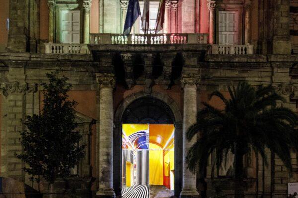 I musei sono ancora chiusi ma l'arte illumina i portoni: Madre e Mann insieme per Napoli