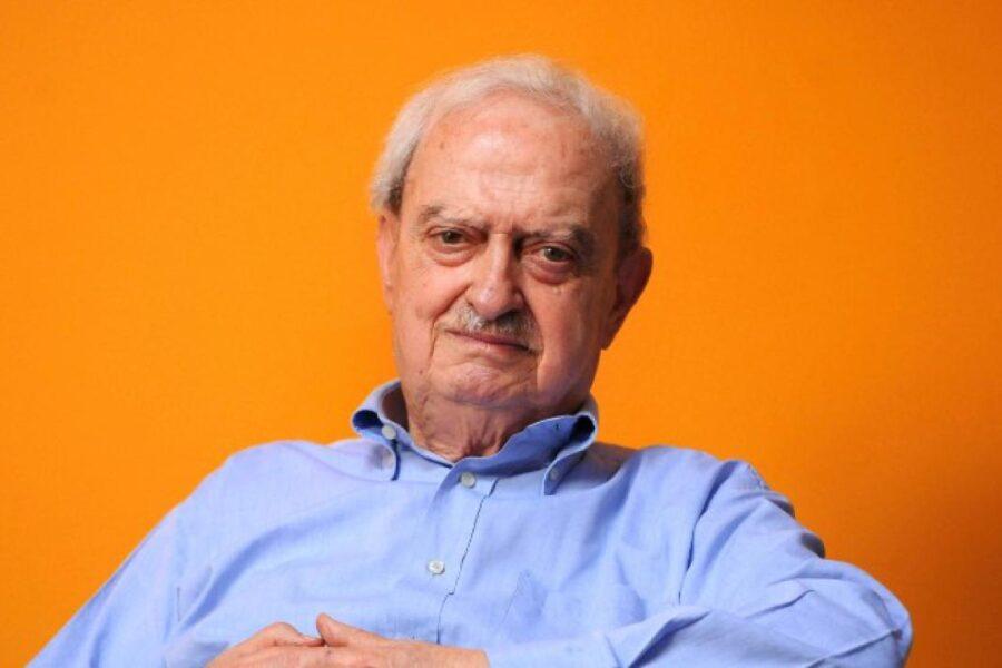 """""""Quando saltai un muro per andare da chi era sfruttato"""", conversazione con Emanuele Macaluso"""