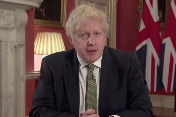 """Boom di contagi in Gran Bretagna, Johnson annuncia terzo lockdown: """"State a casa"""""""