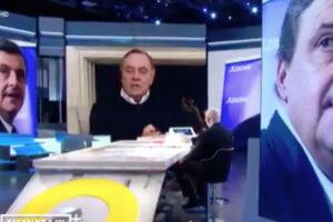 """Mastella-Calenda, secondo round in tv: """"Pariolino, figlio di papà"""", """"Venditore di elenco telefonico"""""""