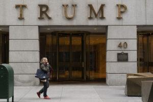 Crisi profonda per Trump, dopo aver perso la Casa Bianca il suo marchio crolla: -21%