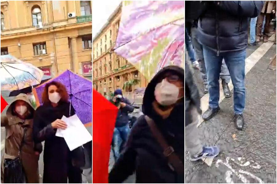 Scuola, a Napoli tensioni e ombrellate tra genitori pro e contro la Dad