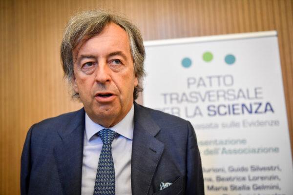 """Burioni contro Le Iene, sequestrati i servizi """"diffamatori"""" del programma Mediaset"""