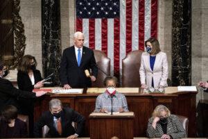 Biden proclamato presidente, il Congresso certifica la sua vittoria su Trump