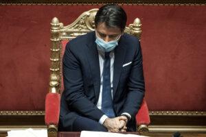 Il premier si arrende all'evidenza e va da Mattarella a dimettersi: tentativo di Conte ter