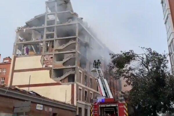 Forte esplosione a Madrid, saltati in aria tre piani di un edificio: almeno 2 morti
