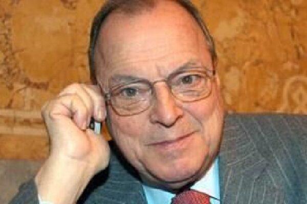 Morto Marco Formentini, l'ex sindaco leghista di Milano: fu il primo votato direttamente dai cittadini