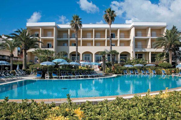 Turismo, novità per il settore alberghiero della Campania