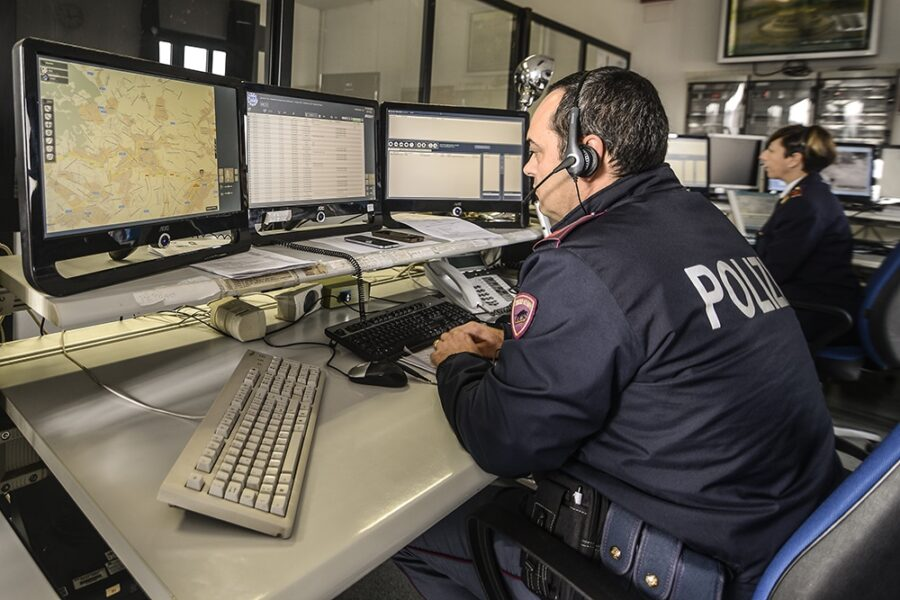 Napoli, le intercettazioni costano 15 milioni all'anno: le 'spese folli' della giustizia