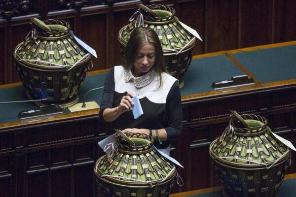 """Il sì di Mariarosaria Rossi a Conte? Un segnale di Berlusconi: """"Alle elezioni non si va"""""""