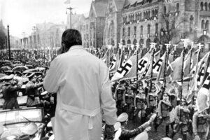 Il piano vaccinale italiano è di ispirazione nazista
