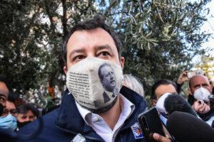 """Salvini e Open Arms, ammesse 18 parti civili: """"A processo per aver difeso i confini italiani"""""""
