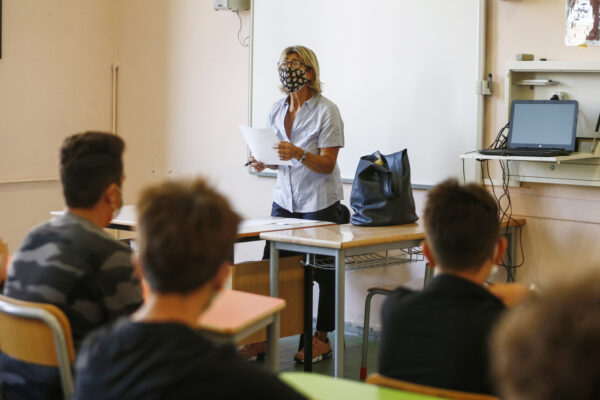 """Scuola, da Veneto e Friuli primi 'no' al piano Azzolina: """"Studenti delle superiori a casa fino al 31 gennaio"""""""
