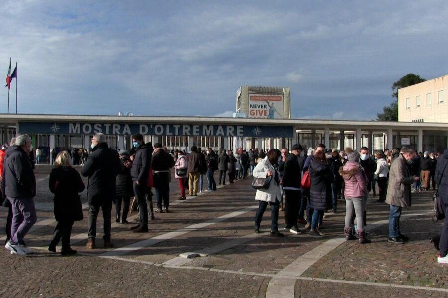 """""""Vacciniamoci, abbiamo visto troppe persone soffrire"""", apre a Napoli il Covid Vaccine center"""