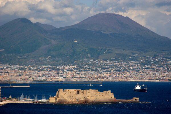 Il Vesuvio riapre, al via le visite al Cratere