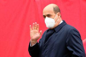 Zingaretti indagato per abuso d'ufficio, altra tegola giudiziaria per il governo Conte