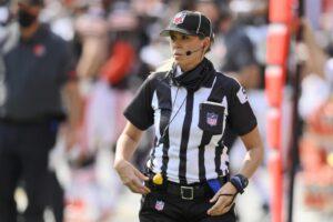 Chi è Sarah Thomas, la prima donna ad arbitrare il Super Bowl