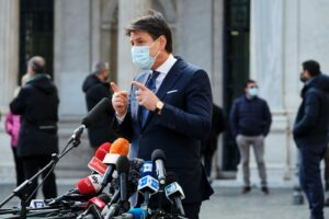 """Conte appoggia Draghi e lancia l'opa su M5S: """"Io ci sono, non sono un ostacolo"""""""