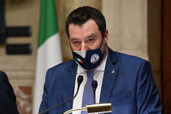 """Salvini appoggia la candidatura di Napoli come sede dell'antiriciclaggio Ue: """"La città lo merita"""""""