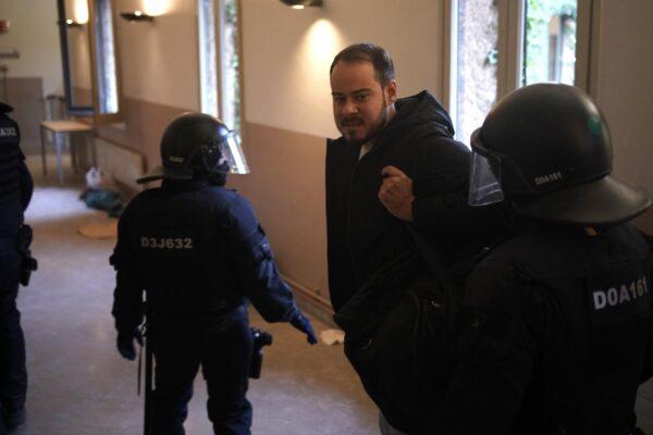 Chi è Pablo Hasél, il rapper arrestato per le canzoni contro la Monarchia spagnola