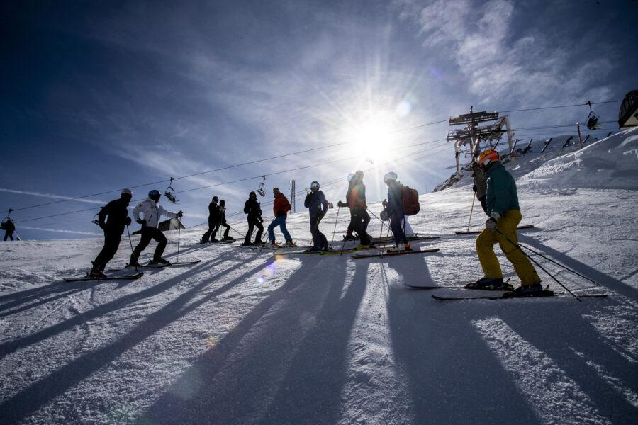 """La stagione sciistica non parte, stop a 24 ore dalla riapertura: """"Fino al 5 marzo"""""""