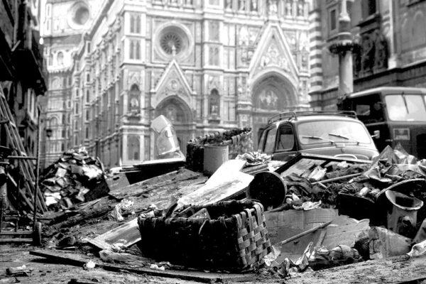 Storia del 1966, dall'alluvione di Firenze alla scomparsa di Walt Disney