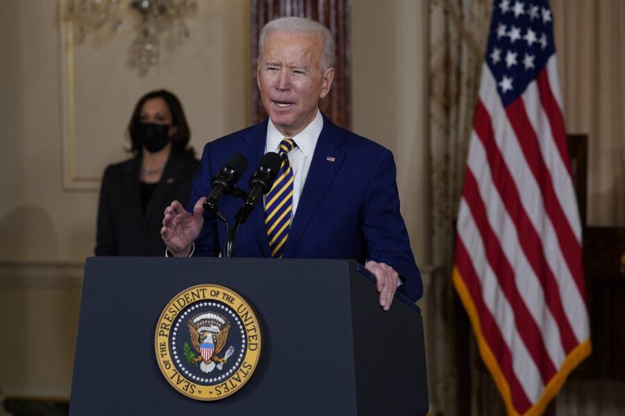 """Biden contro Russia e Cina: """"Minacciano la democrazia, gli Usa risponderanno con decisione"""""""
