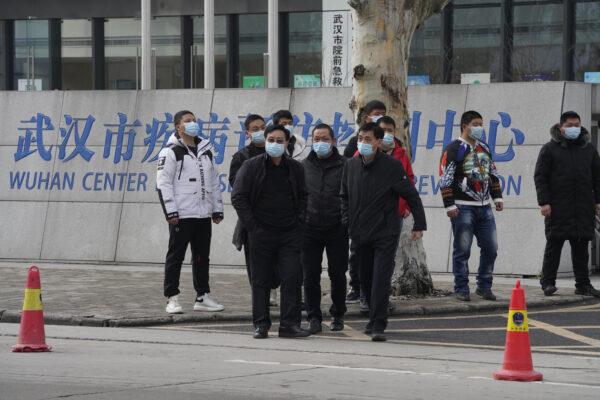"""Tecnici Oms lasciano Pechino: """"Raccolti dati interessanti sull'origine del virus"""""""