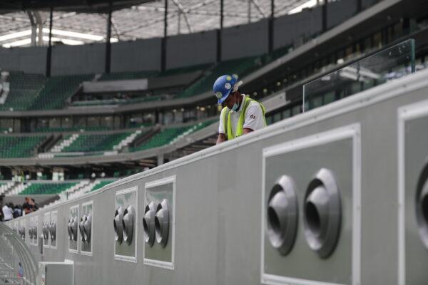 I Mondiali in Qatar fanno 2 morti al giorno, oltre 6.500 operai hanno perso la vita nei cantieri in 10 anni