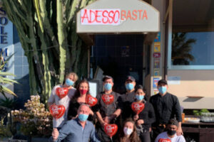 Zona arancione per quattro regioni, la protesta in Liguria: ristoranti aperti e sanzioni