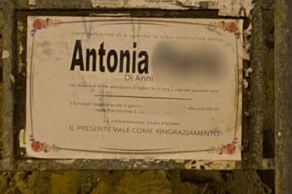 """Pozzuoli, il mistero dei manifesti mortuari """"anonimi"""": """"Si faccia chiarezza"""""""