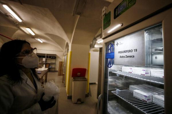 AstraZeneca, il richiamo del vaccino dopo 12 settimane: sarà destinato agli under 55 senza patologie