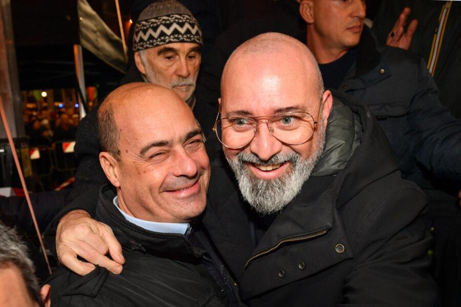 Zingaretti rischia la poltrona, nel Partito Democratico inizia la guerra: Bonaccini (e i renziani) puntano alla segreteria