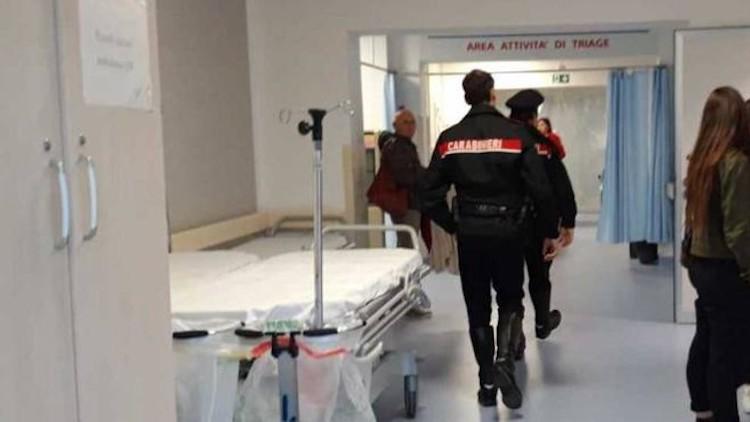 """""""Mi state facendo aspettare"""": doppia aggressione contro medici e infermieri nel Napoletano"""