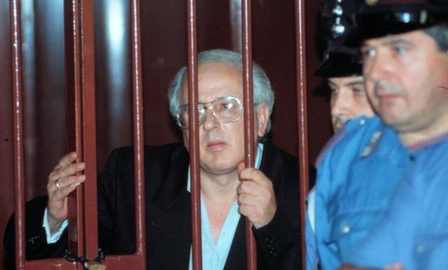 Raffaele Cutolo al 41bis anche nella tomba: pericoloso anche da morto, vietati funerali