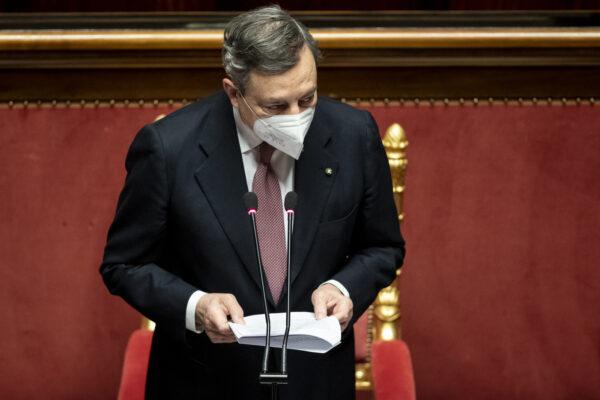 """Draghi al Senato silura Salvini: """"Sostenermi vuol dire accettare l'irreversibilità dell'euro"""""""