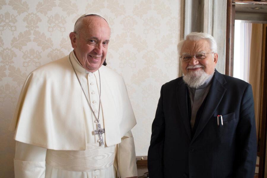 Enzo Bianchi cede alla richiesta del Papa e lascia Bose: si trasferirà a Torino
