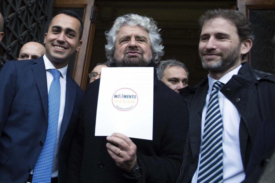 Voto su Rousseau sospeso, salta la consultazione degli iscritti: monta la rabbia della base grillina