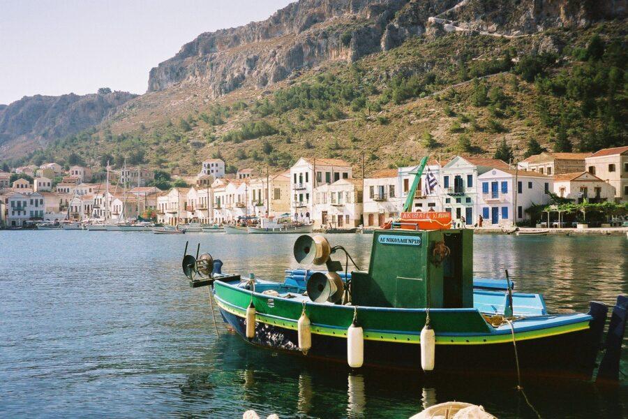 È in Grecia la prima isola Covid free: tutti vaccinati a Kastellorizo, il set del film Mediterraneo