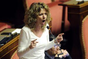 Movimento 5 Stelle, espulsione per i 15 senatori dissidenti: inizia la scissione