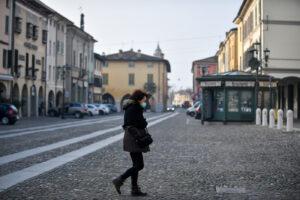 """Provincia di Brescia in zona arancione 'rafforzata', per Bertolaso """"siamo alla terza ondata Covid"""""""