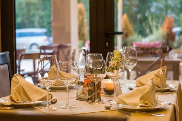 Campania, i commercianti chiedono riapertura bar e ristoranti dopo le 18