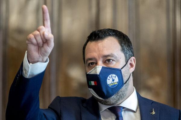 """Salvini contro il """"suo"""" Governo: """"Ristoranti aperti la sera e no a misure nazionali"""""""