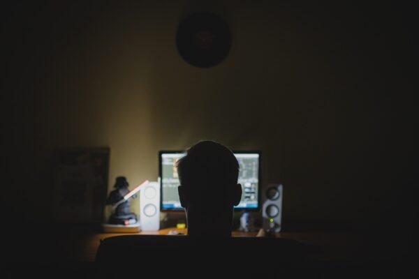 La nuova frontiera dell'estremismo online: l'ultradestra recluta minori con i videogiochi